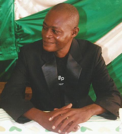 Dr Bertrand Tchoumbou